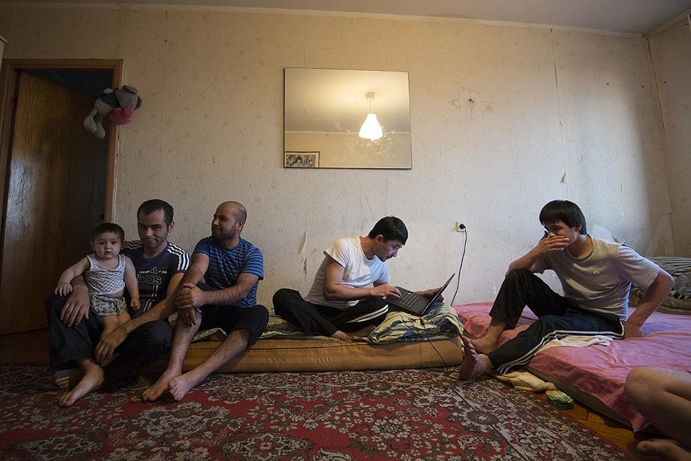 иностранцы в квартире