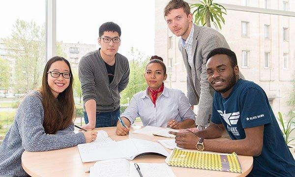 Работа для иностранных студентов в России